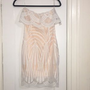 Charlotte Russe WHITE STRAPLESS DRESS
